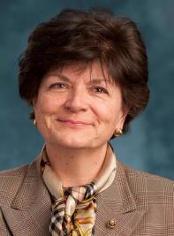 Marina Lino Headshot